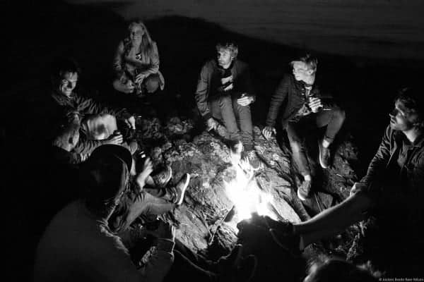 Detta bildet sier det meste. Gale svensker, hysteriske kjærringer og midlertidig tilbakestående nordmenn. Det blir ikke stort bedre ©Jostein Nilsen