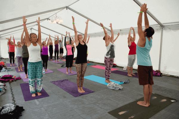 Med et massivt yogaprogram i år er det nok å gjøre for de som liker å få zenen i orden