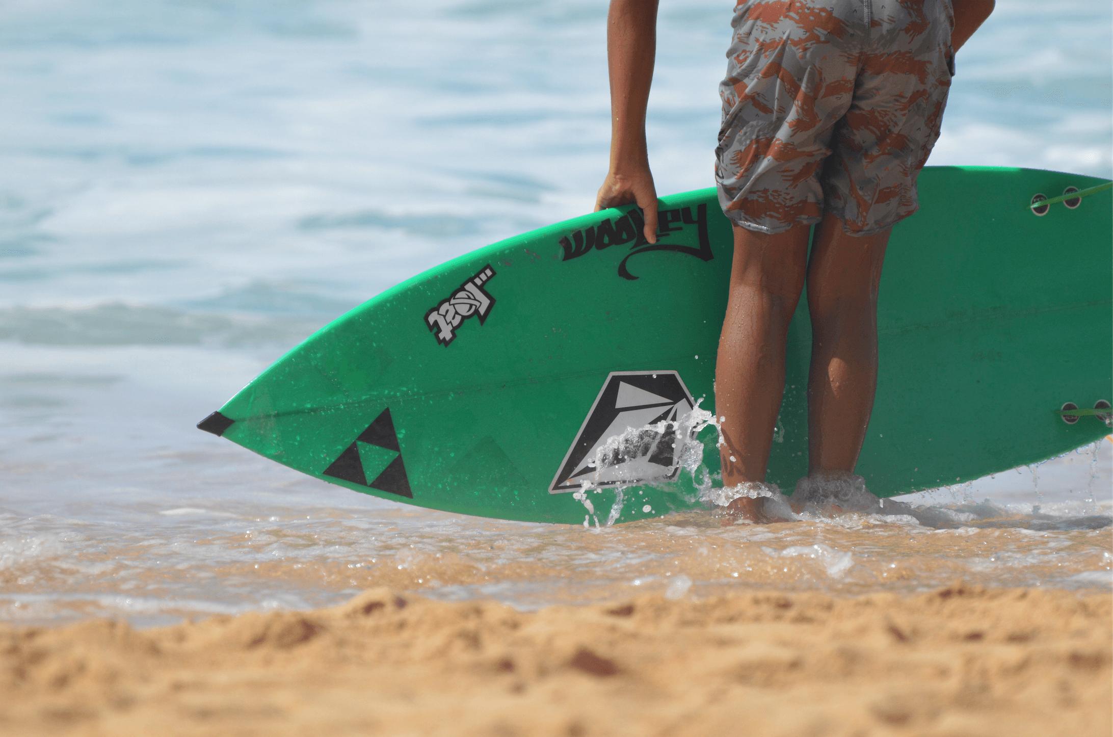 Fra skolebenk til lineup i Hawaii