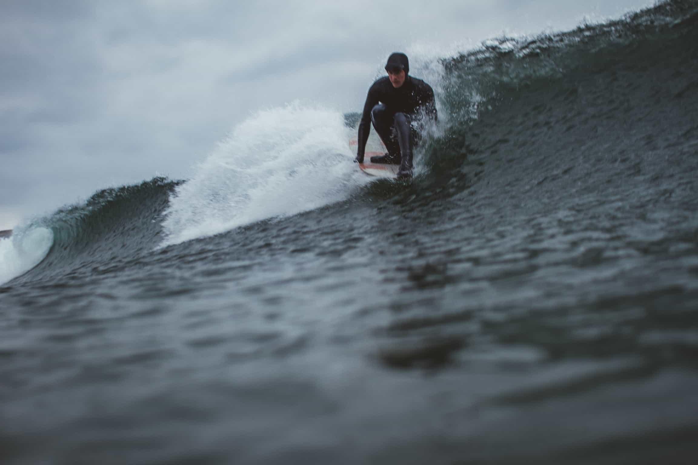 Noseride og surfing i Ervika