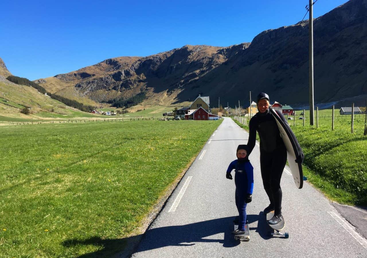 Skatetur til beachen i Hoddevik. Foto: Maria Skaagen