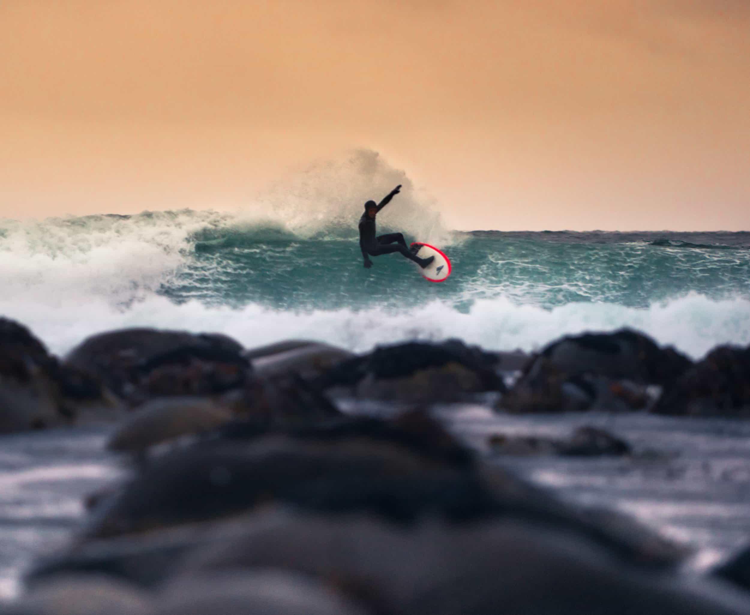 Andreas Wolden - 21.08.17 Bildet er av surfer Steve sawyer stedet er Unstad