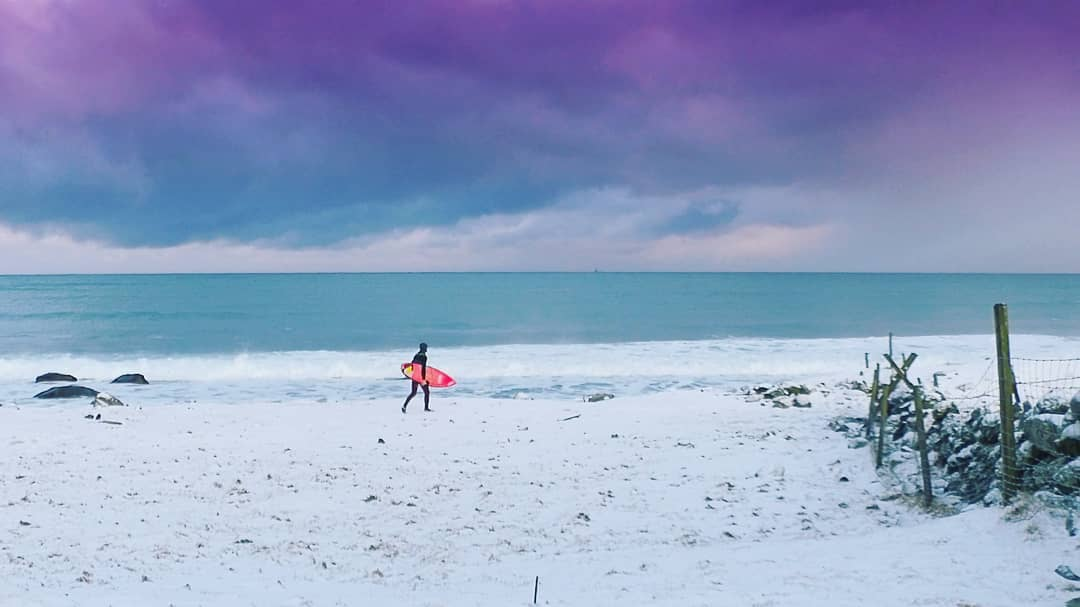 Surf i bakgården, Frode Goa. Foto: Soloshot selfie