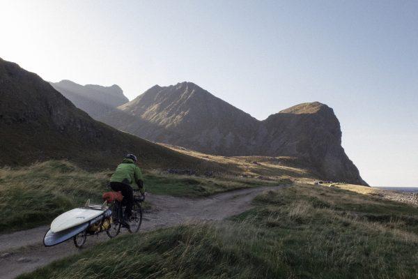 Surfekjerrer – På sykkel fra bølge til bølge