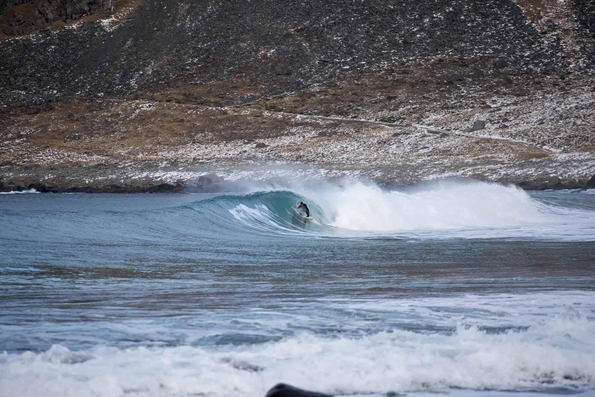 Bølge som tuber i Lofoten.