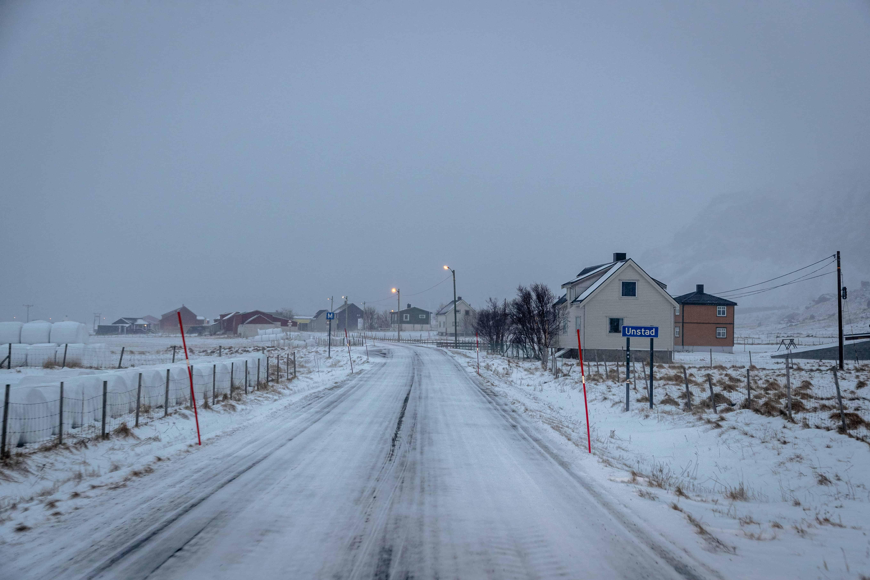 Stille langs veien på vintern. Foto: Hallvard Kolltveit