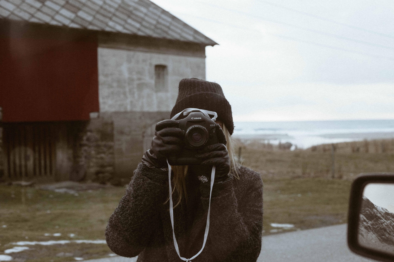 Naomi bak kamera, det finnes alltid motiver