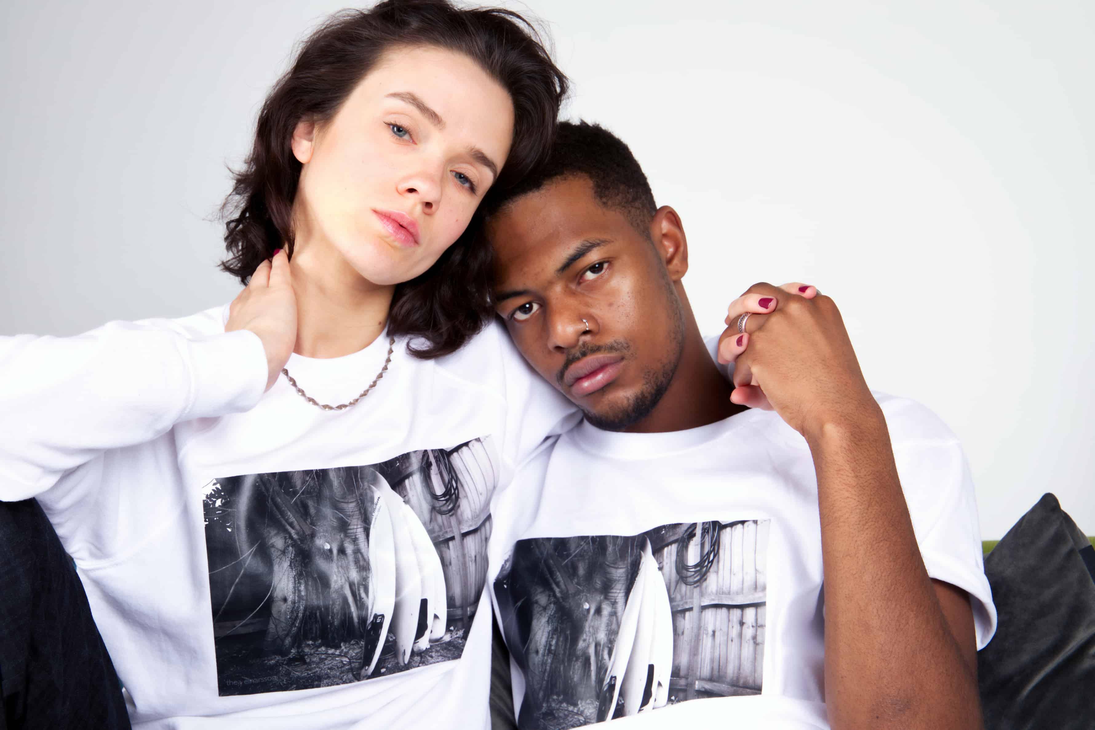 Bildet trykket på genser og t-shirt