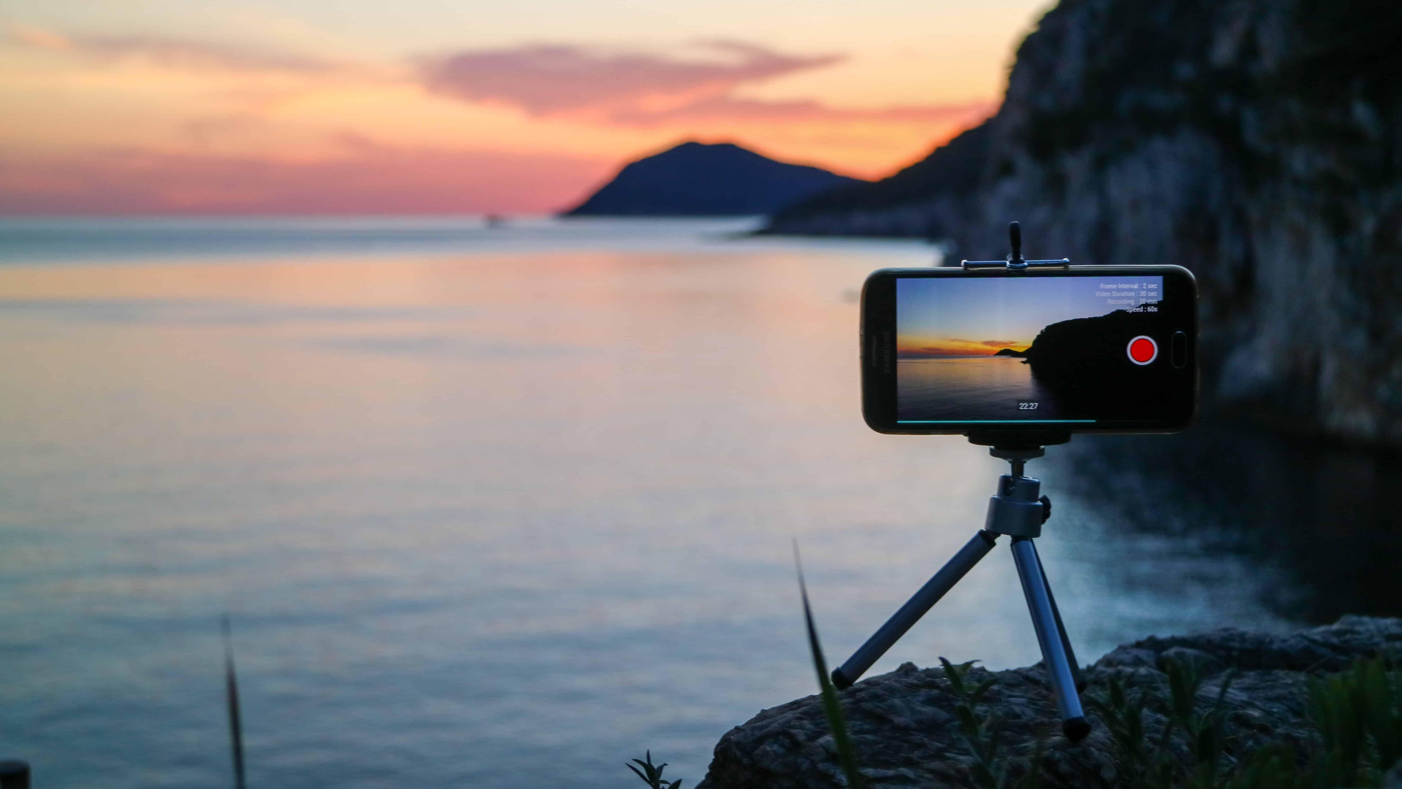 Surf webcam Photo by Mark de Jong on Unsplash