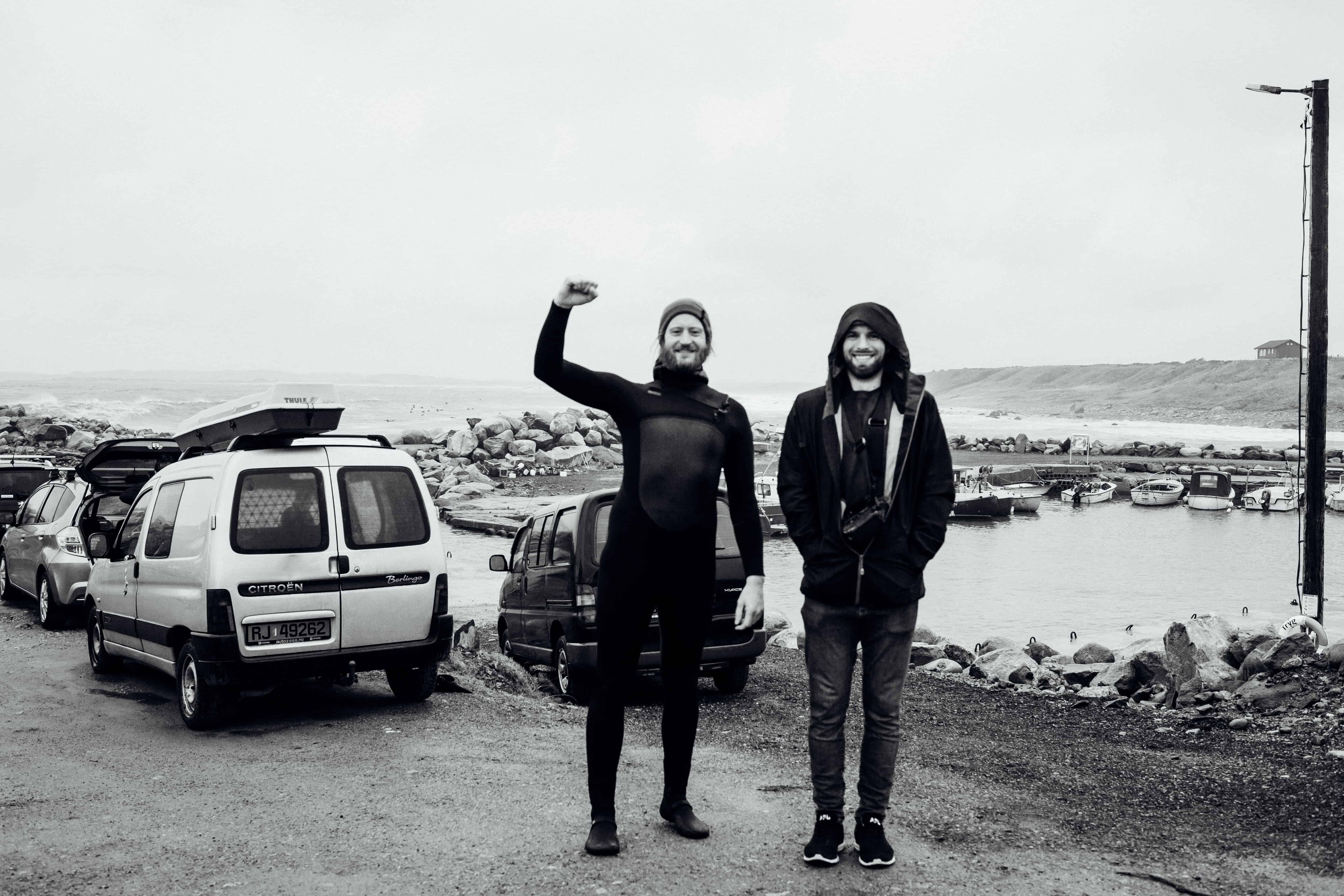 Surf og foto i sjøen med Hallvard Kolltveit og Ivar Vasstveit