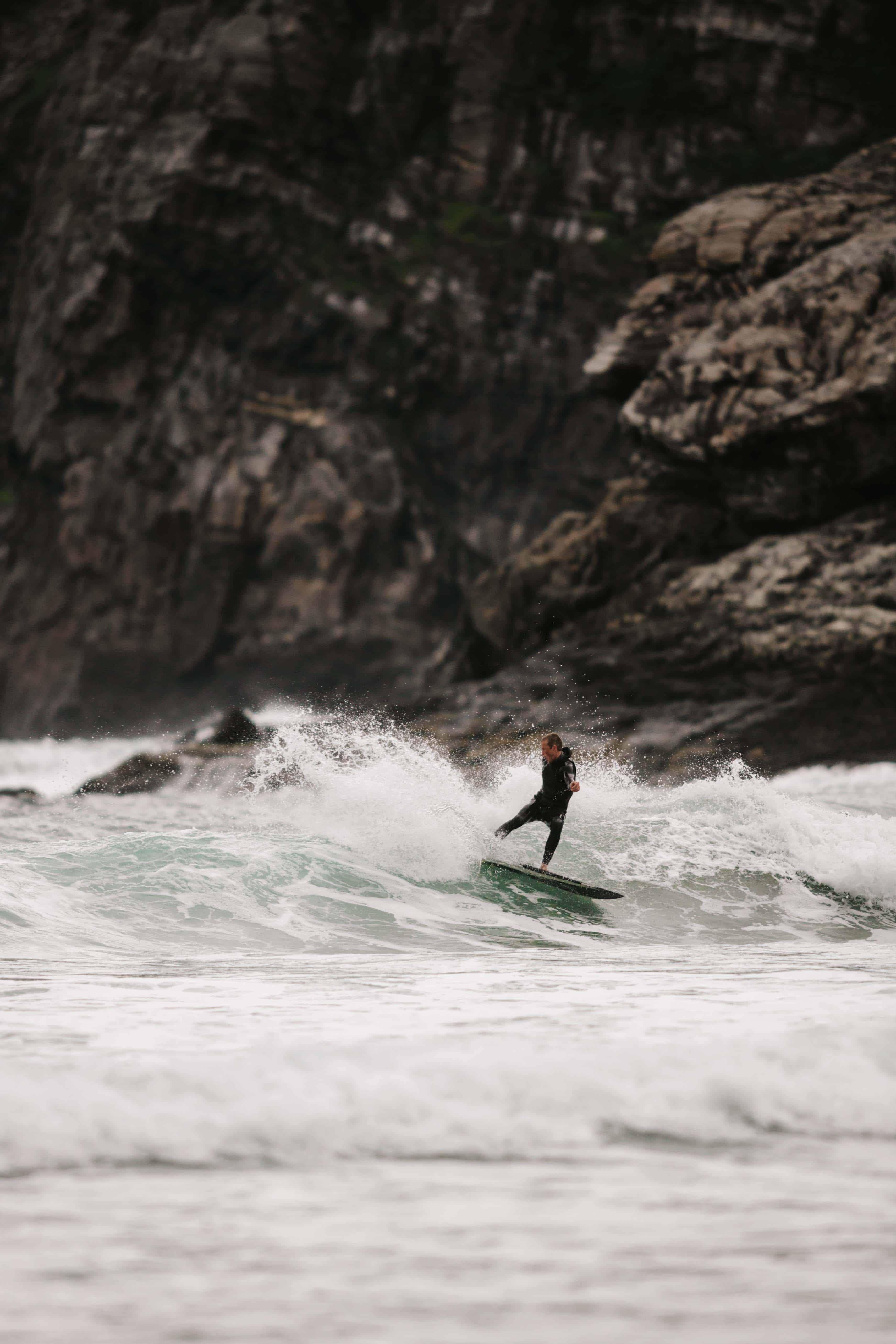 Ervik surfshop's nye eier. Foto: Saltnwax