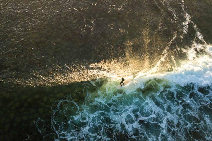 Surf sett fra himmelen med dronefotograf Lindsey Bundschuh
