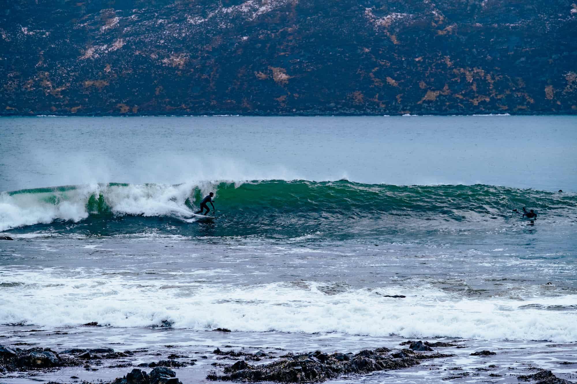 Fin bølge for surfer