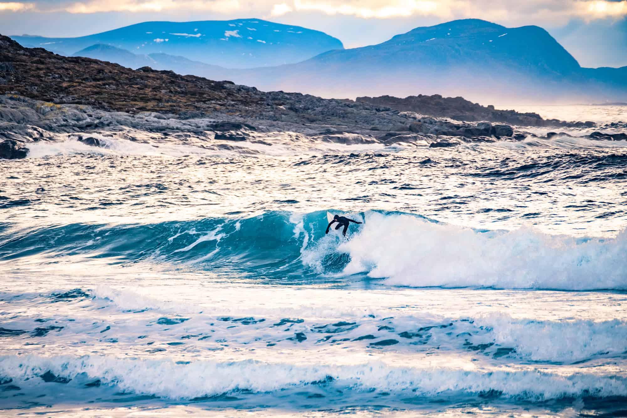 Bra bølger i Ålesund