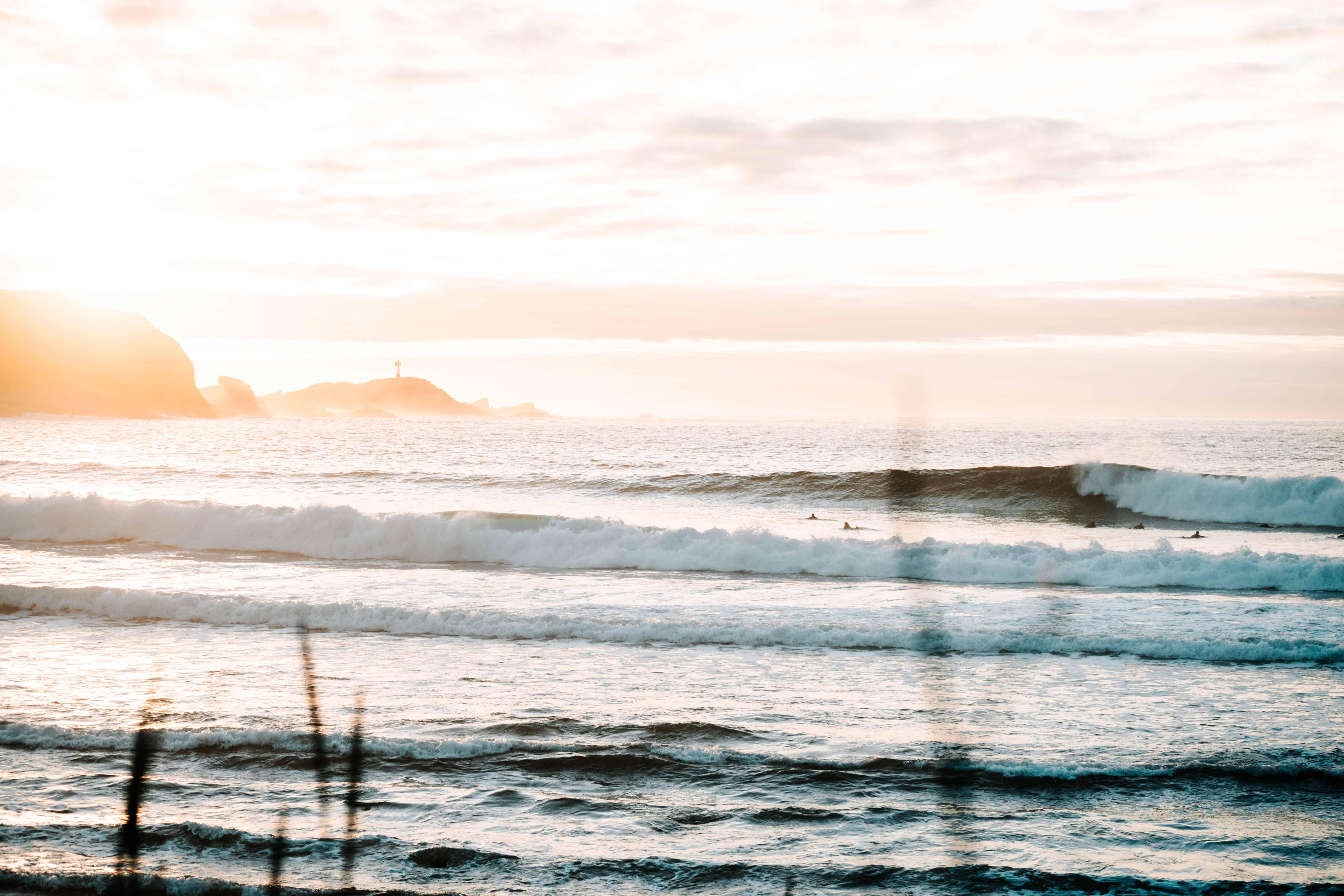 Bølgene linet opp perfekt på stad. Foto: Saltnwax